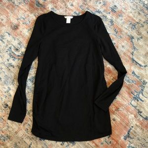 H&M mama black long sleeve maternity tee